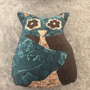 Owl shaped accent pillow